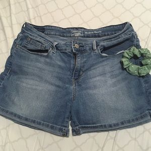 Pants - Medium wash shorts